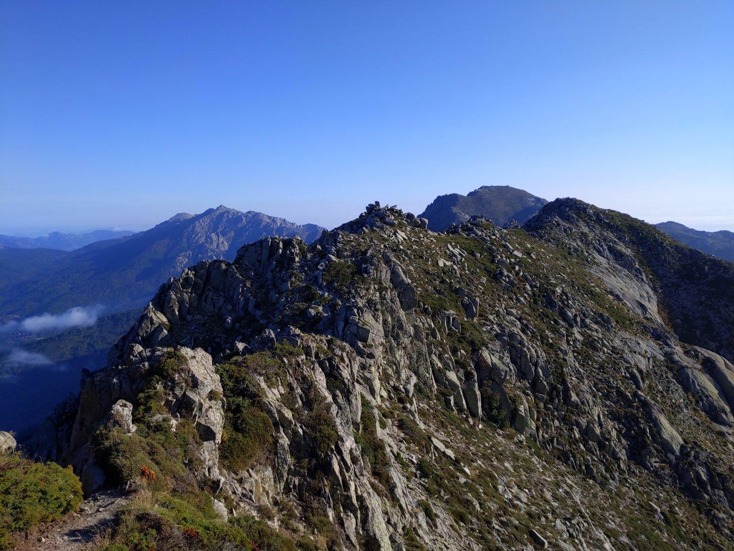 Photo of a ridge in Corsica